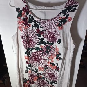 Ricki size 16 White with Floral